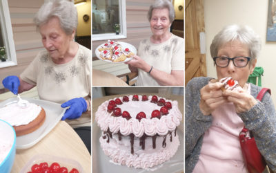Baking Club cake decorating and chocolate treats at Lulworth House Residential Care Home